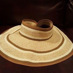 NWOT Foldable sun hat